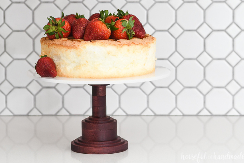 1558022564 diy wood cake stand xcarve 1