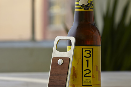 Bottle%20opener%20in%20wood%20and%20aluminum