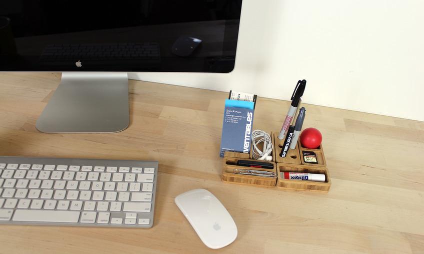 1384217688 desk set 02