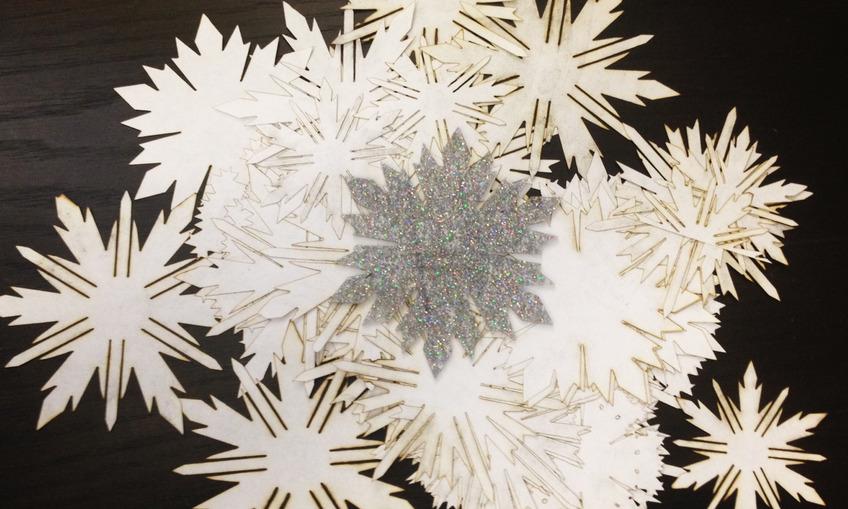 1416862259 snowflakes3