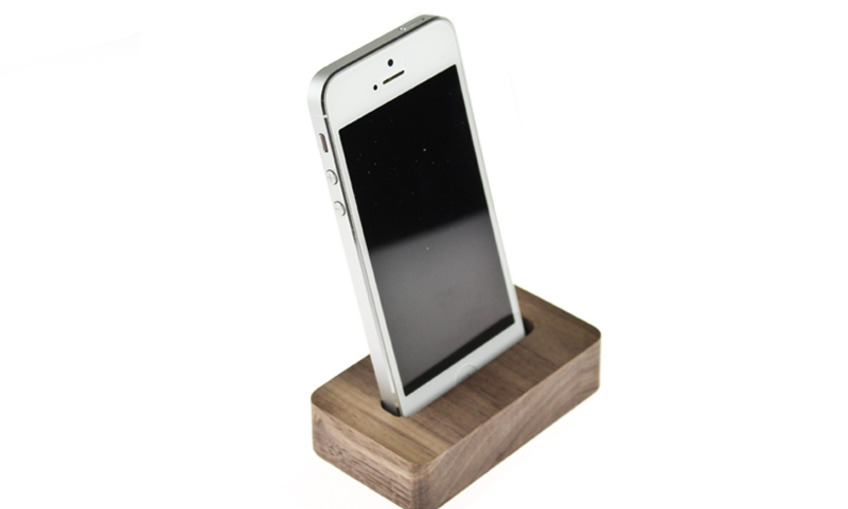 1384217838 iphone%20stand%201