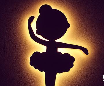 1540032947_diy_ballerina_lamp_1