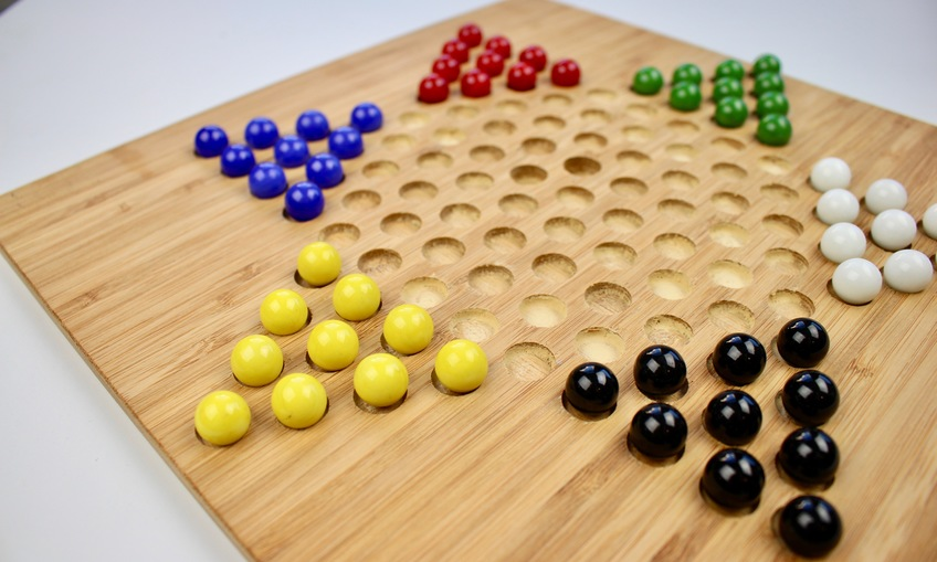 1540394193 chinese checkers game 2