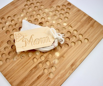 1541551257 gift tags mom wrapped chinese checkers 2