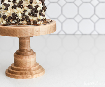 1558371882_diy-wood-cake-stand-xcarve-3