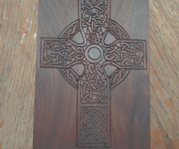 1568406270 celtic cross