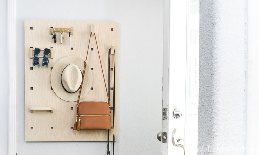 1595889359 modular entryway organizer xcarve 1
