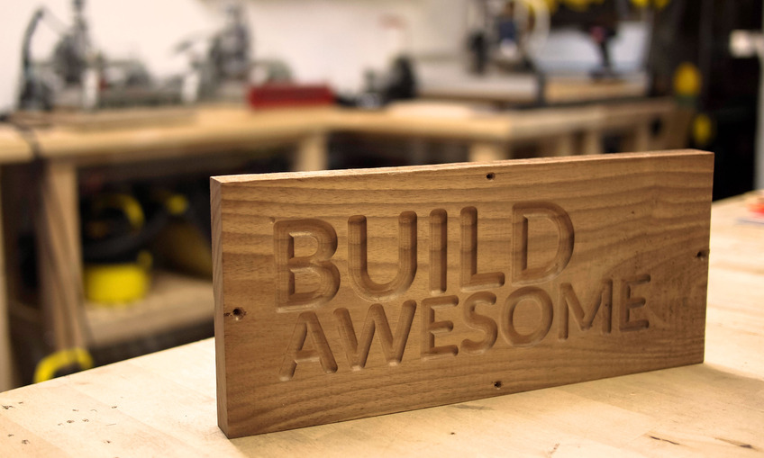 1384218995 build awesome sign1