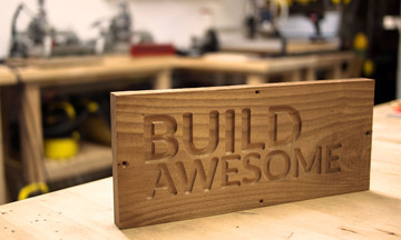 1384218995_build_awesome_sign1