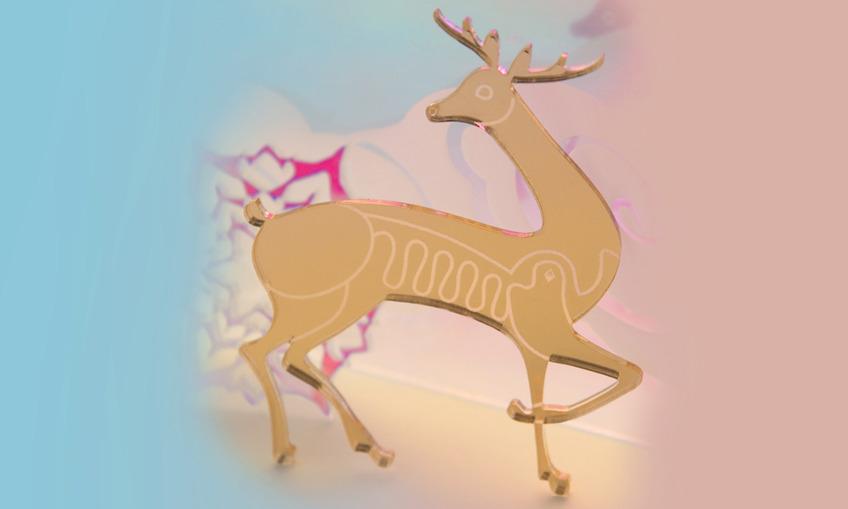 1384219104 reindeer2